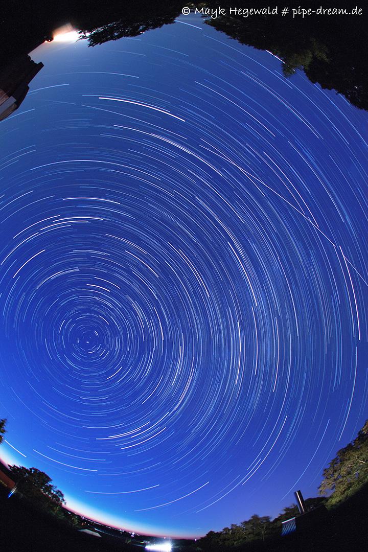 Sternstichspuren aus 115 Einzelbildern